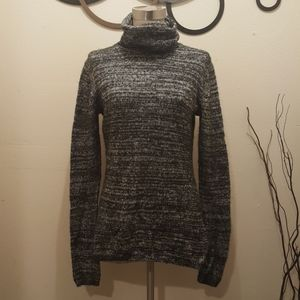 Express sweater Turtle Neck Gently used Size M